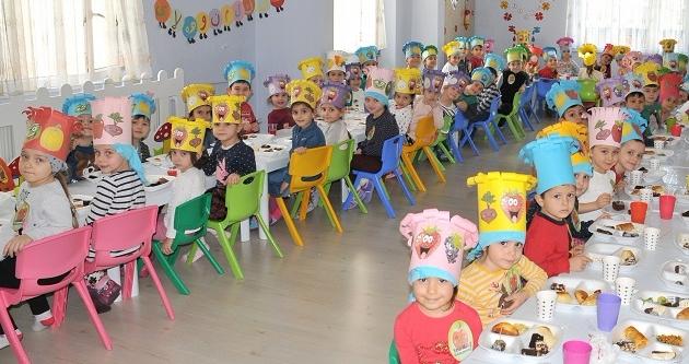 MİNİKLERİN 'YERLİ MALI HAFTASI' ETKİNLİĞİ