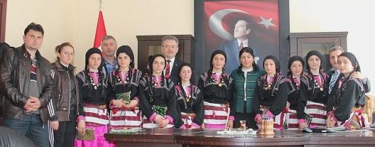 Tonya Halkoyunları Türkiye finalinde