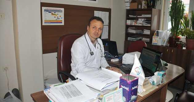 DR. KAMİLOĞLU, VERİMLİ İŞ HAYATI İÇİN GÖZ SAĞLINA DİKKAT!