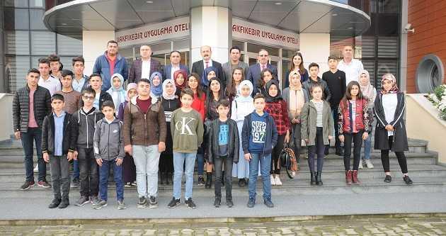 BİTLİS'TEN VAKFIKEBİR'E UZANAN KARDEŞ ELİ