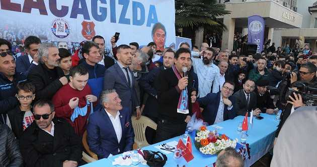 VAKFIKEBİR'DE ÜNAL KARAMAN SEVGİSİ